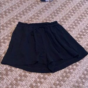 Lush high waist woven shorts